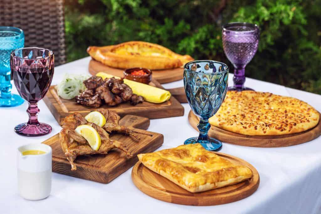 Страви грузинської кухні в ресторані «Тарас» (eng)