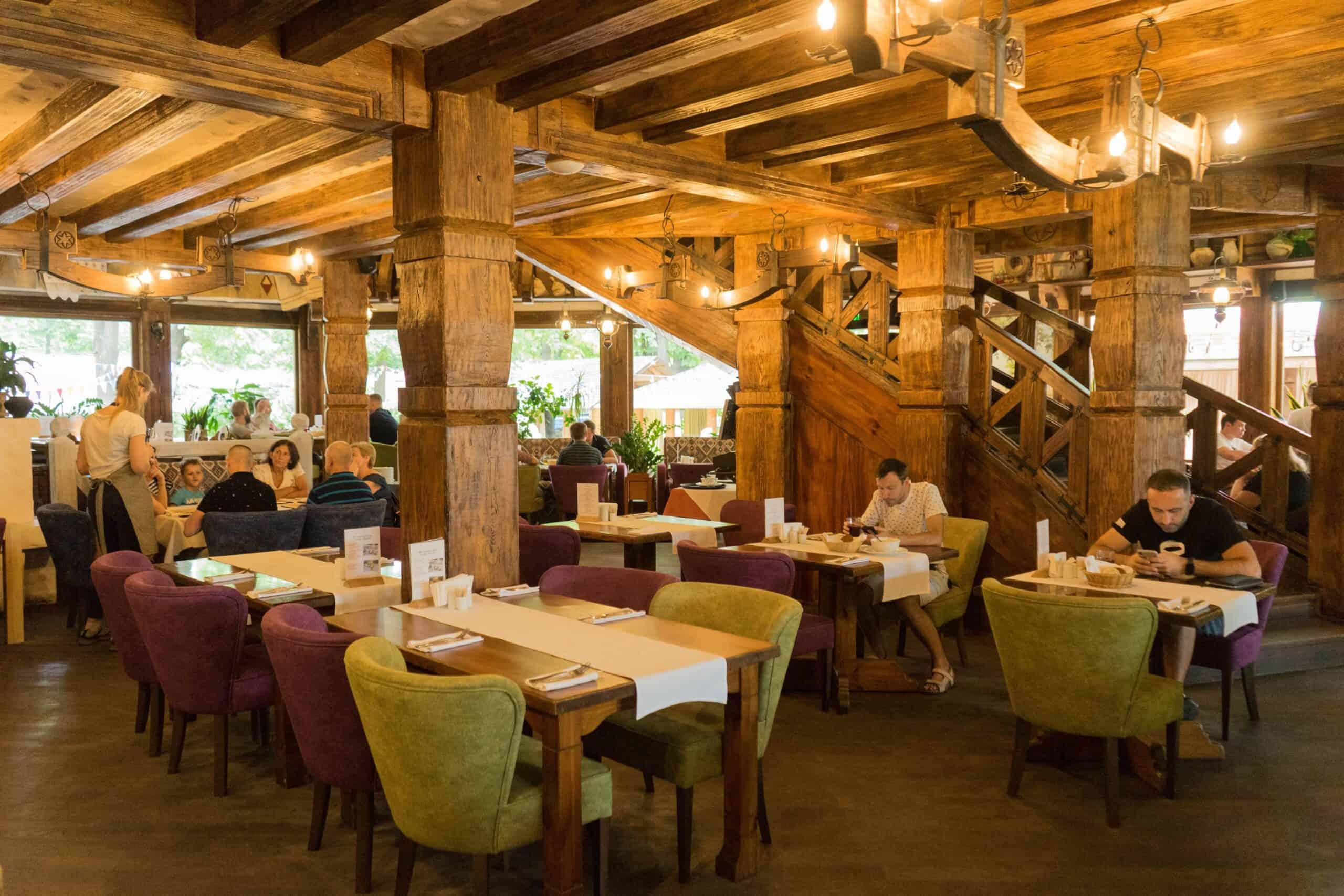 Restaurant-Taras_Interior1-min