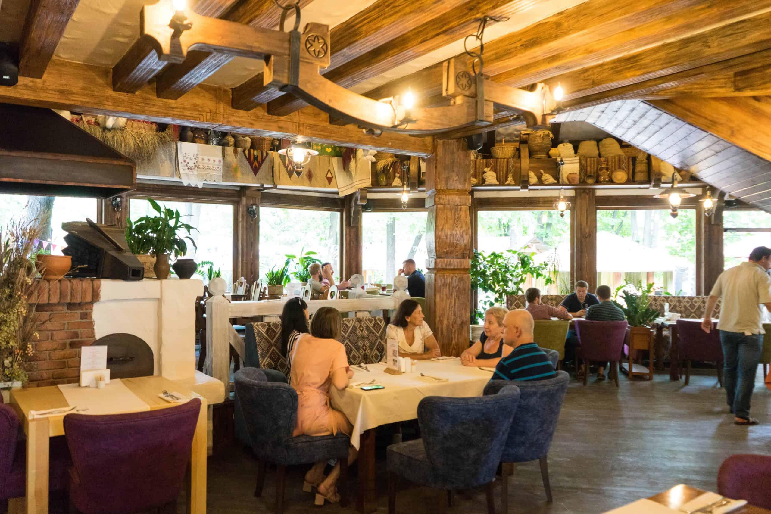 Restaurant Taras_Interior3-min