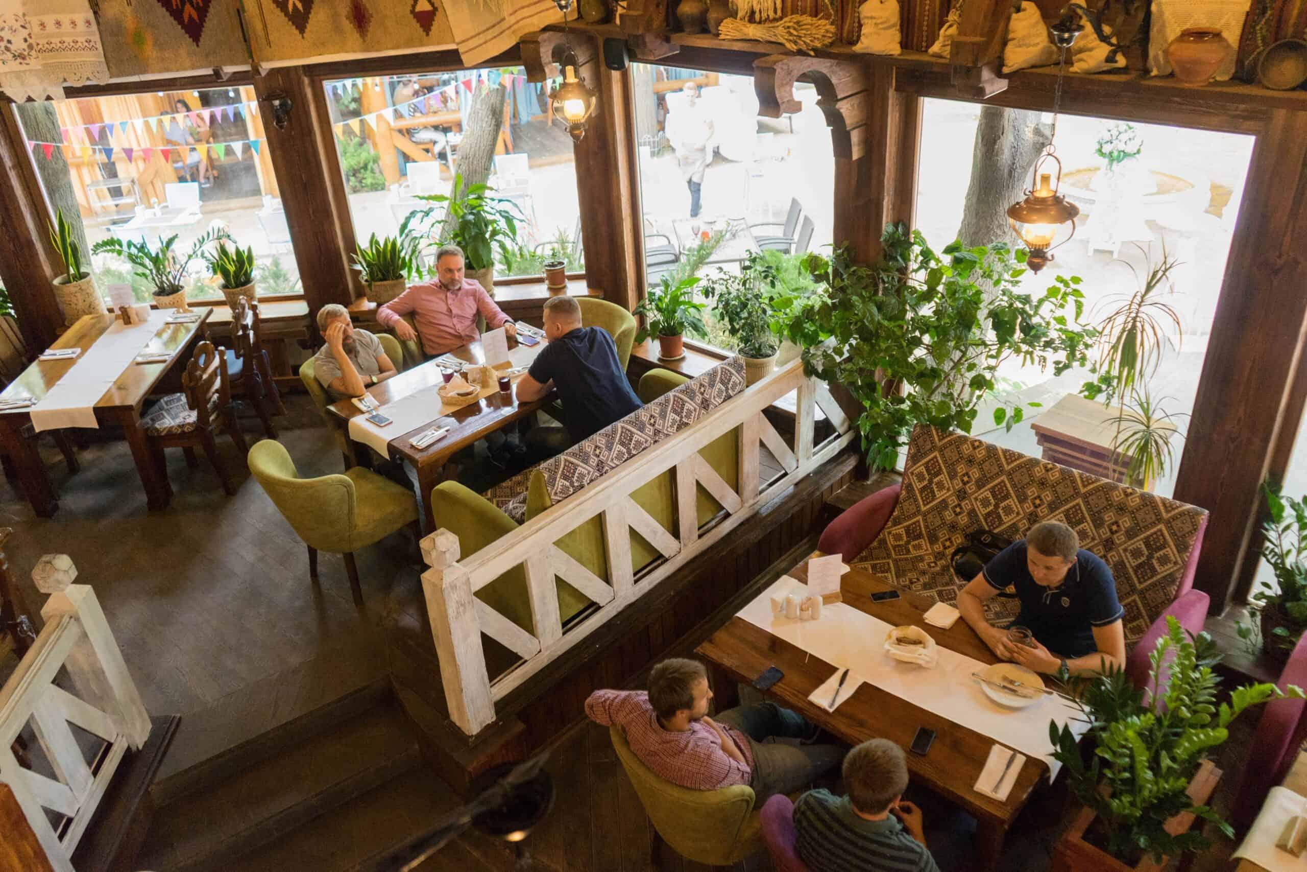 Restaurant-Taras_Interior5-min